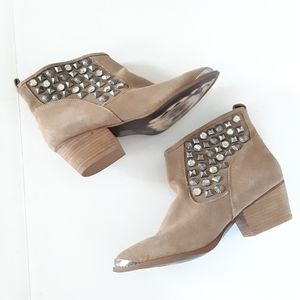 Chinese Laundry ISpy Studded Suede Ankle Boots 7